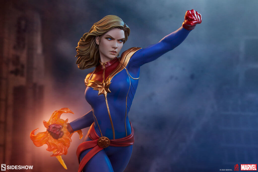 Sideshow Collectibles - Captain Marvel Statue
